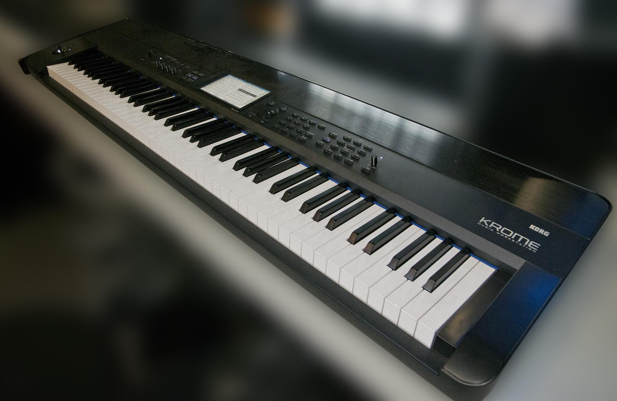 korg krome 88 krome88 keyboard 88 note key workstation piano ebay. Black Bedroom Furniture Sets. Home Design Ideas